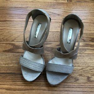 Women heels size 7